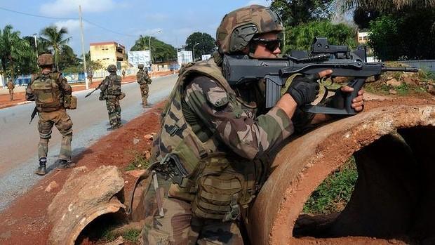 Violent affrontement entre des militaires belges et français au Gabon. Les raisons ….