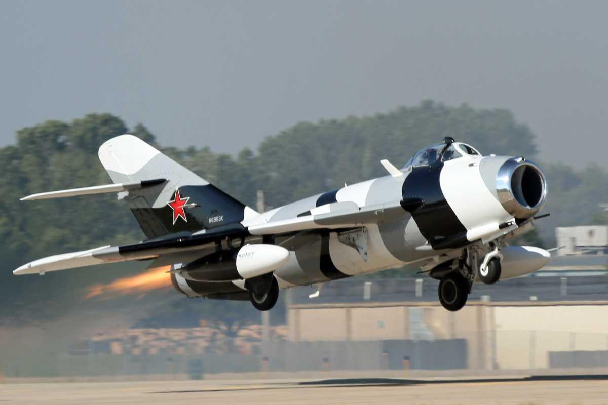 Vous pouvez maintenant acheter votre propre avion de chasse russe