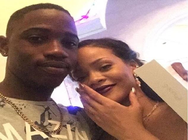 Le cousin de Rihanna a été abattu quelques heures après avoir passé le jour de Noël ensemble.
