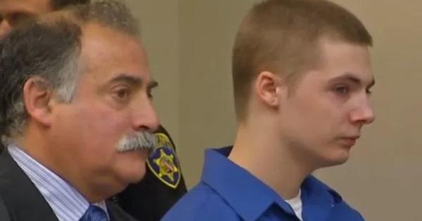 Un adolescent de 17 ans poursuit ses parents en justice parce qu'il est né blanc