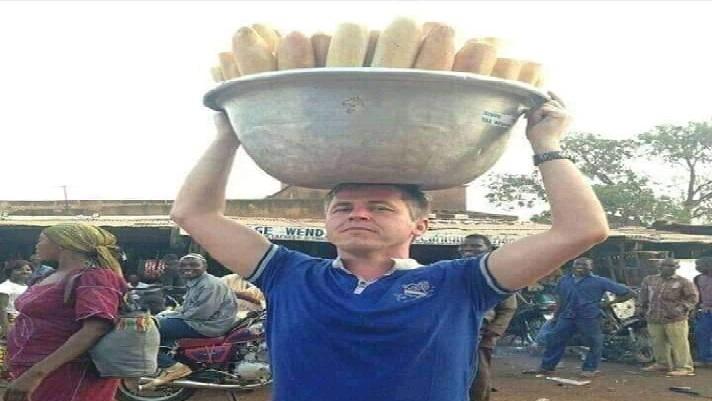 Cameroun: Un Américain aurait été aperçu entrain de vendre du pain au marché de Mokolo