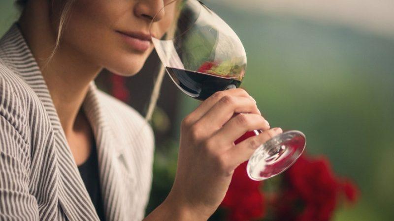 Attention : Une femme meurt  en Belgique après avoir bu une gorgée de ce vin rouge