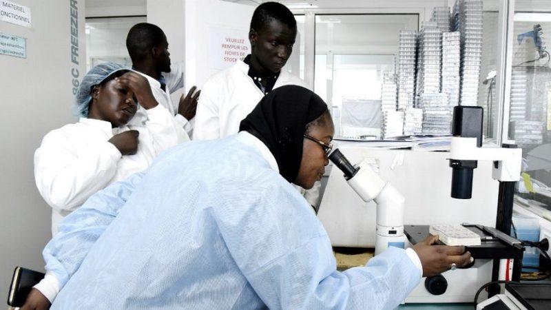 En Afrique, seuls six laboratoires peuvent tester le coronavirus