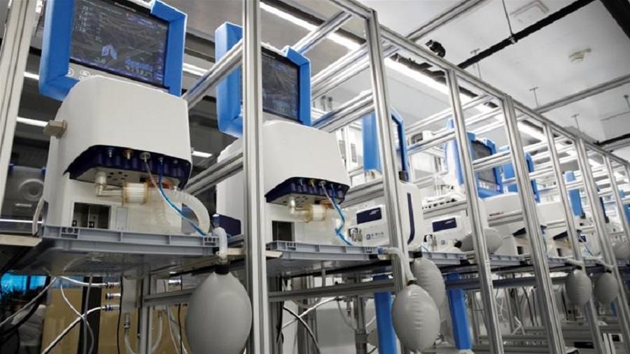 En Chine, les usines tournent 24h/24 pour construire des ventilateurs destinés à l'Italie