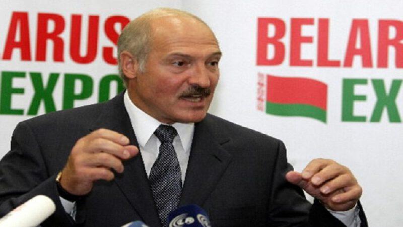 Coronavirus: le président biélorusse refuse le confinement et dit qu'il vaut mieux mourir debout que de vivre à genoux