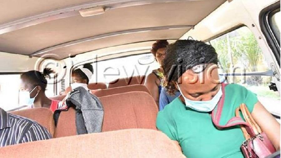 Covid19: les conducteurs ougandais respectent les règles de l'éloignement social en ne transportant que 2 passagers par ligne (photos)