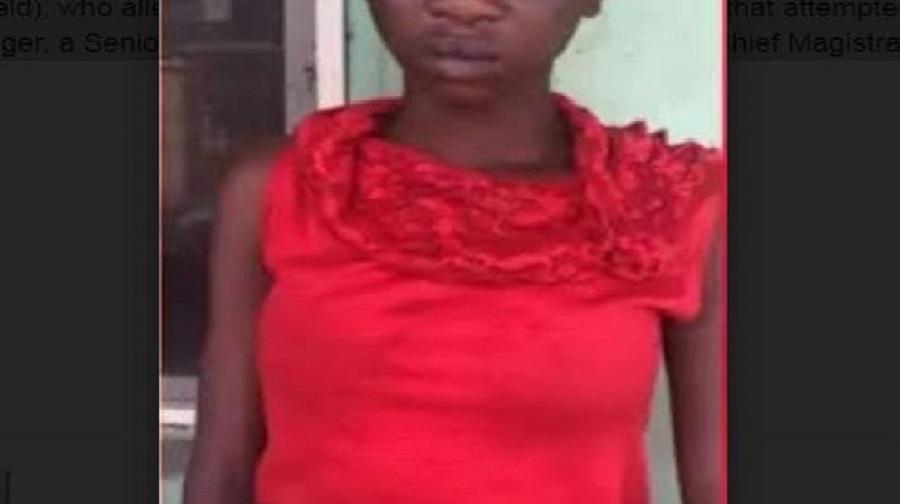 Une Fille de 16 ans tue le père de son amie qui aurait tenté de la violer