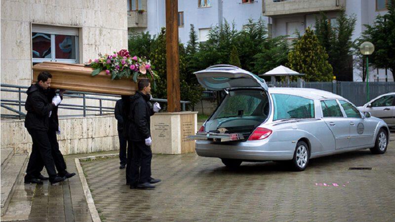 Italie : Un propriétaire de pompe funèbre très satisfait de son chiffre d'affaire