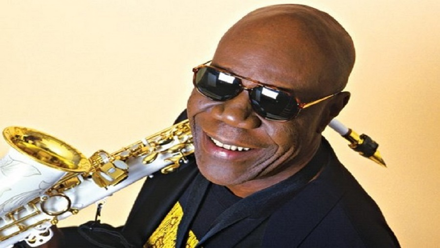 Le Cameroun en deuil : le saxophoniste Manu Dibango est mort des suites du Covid-19