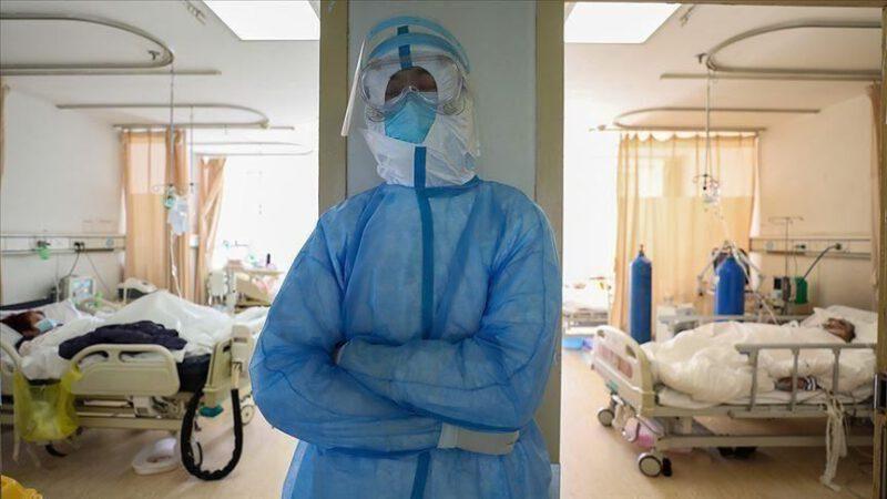 Les États-Unis enregistrent 518 décès de coronavirus en une seule journée
