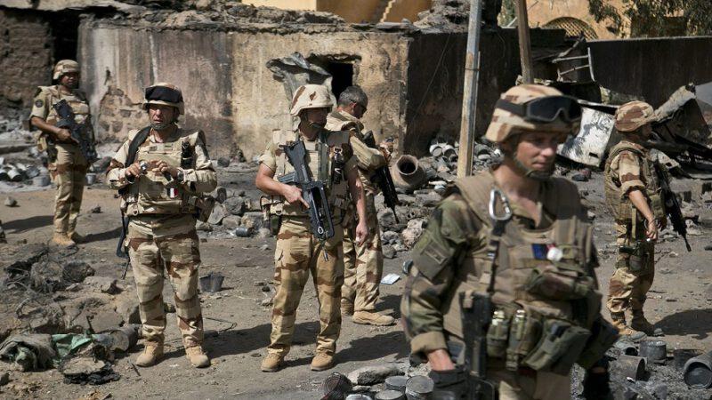 Tchad : La garde présidentielle ouvre le feu sur des militaires français