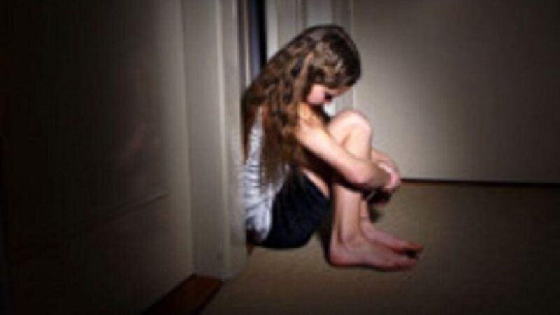Mom recruited men online to rape her 12-year-old daughter.