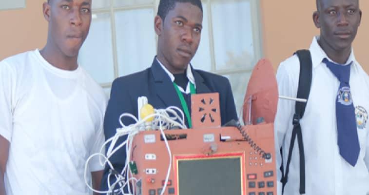 L'élève qui a inventé un téléphone sans carte sim, ni crédit porté disparu