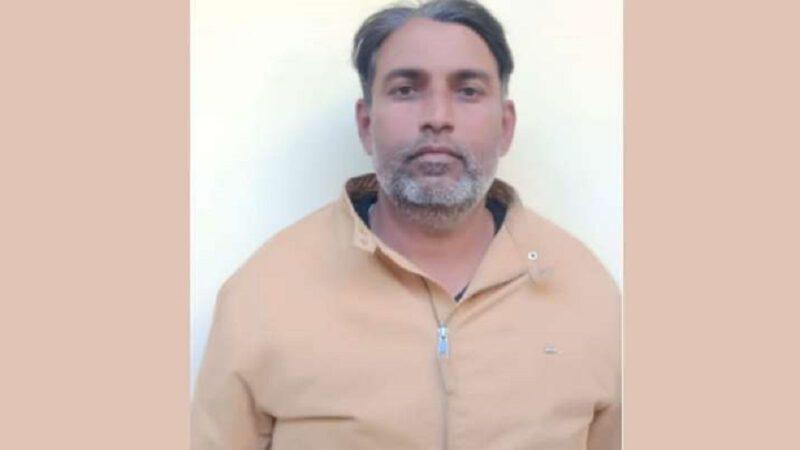 Ma cupidité $exuelle m'a fait trahir ma nation; révèle un homme au miel au Rajasthan