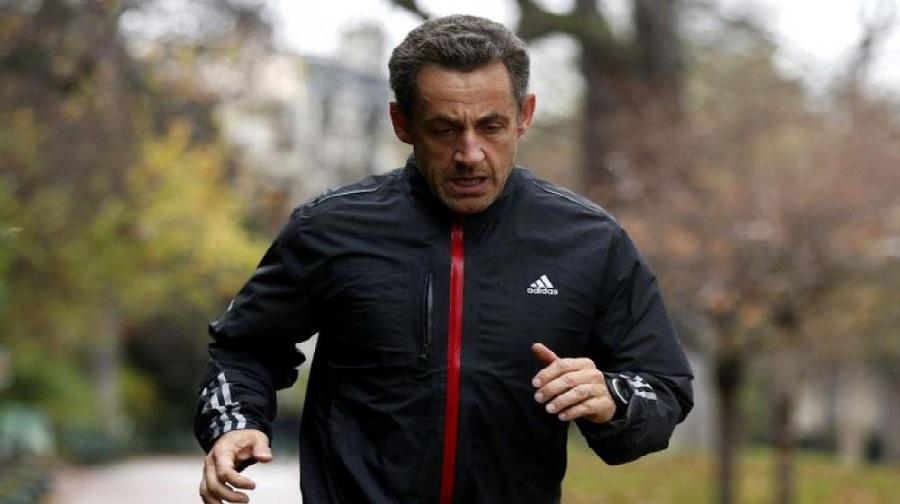 Sarkozy perçu en train de fuir le fantôme de Kadhafi