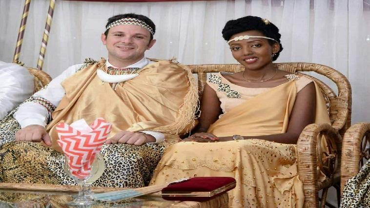 Un milliardaire italien épouse une pauvre burundaise et lui a offert un cadeau inestimable.