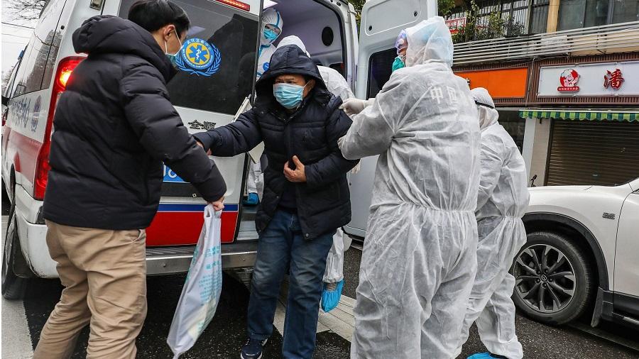 Les habitants de Wuhan affirment que le coronavirus a tué 42 000 personnes et non 3200 revendiqué par les autorités