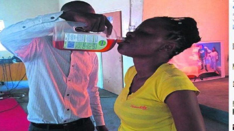 Un pasteur fait boire du Dettol aux fidèles pour «guérir le coronavirus» ?