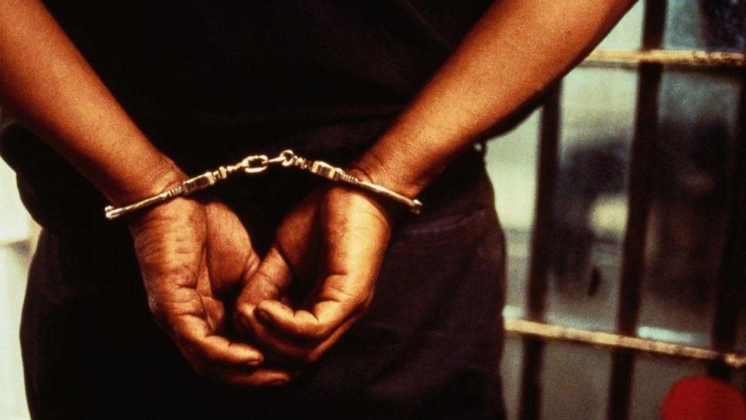 """Un homme de 38 ans viole ses trois filles âgées de 9 mois, 3 et 5 ans pour les """"préparer au mariage"""""""