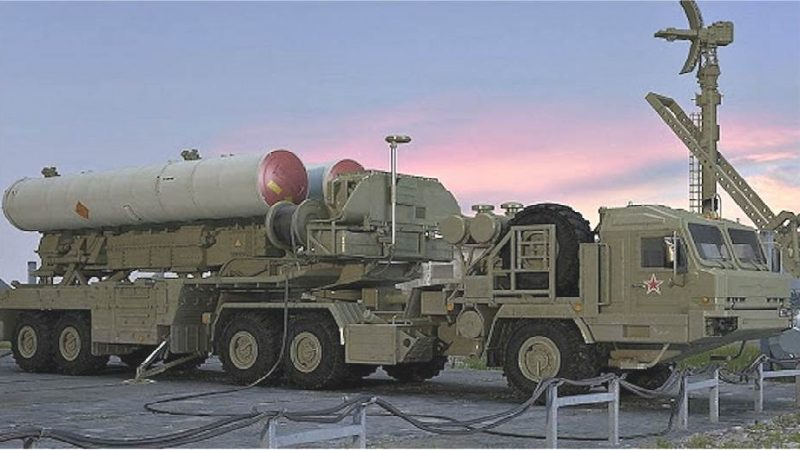 Le ministère russe de la Défense signe un contrat sur les 10 premiers systèmes de défense aérienne S-500