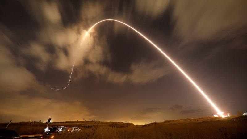 Les systèmes russes interceptent sept missiles tirés par un avion de chasse israélien