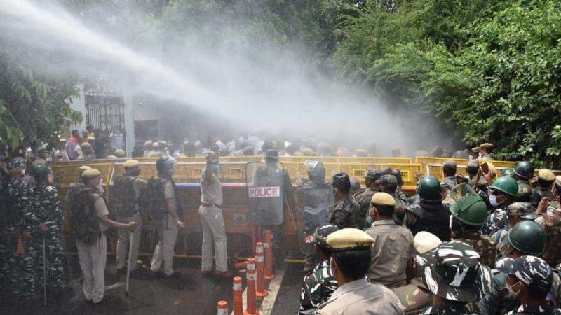 Inde : La police utilise des canons à eau contre les manifestants qui protestent contre la pénurie d'eau
