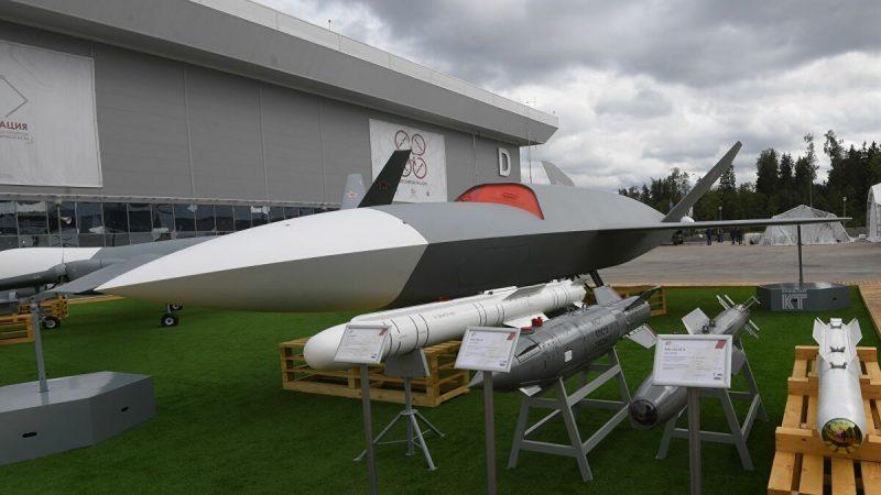 Le groupe russe UAC se prépare à produire le drone de combat S-70 « Okhotnik » en série