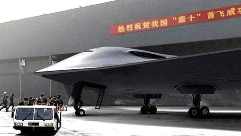Propulsé par des moteurs russes, le bombardier furtif H-20 chinois est un gagnant