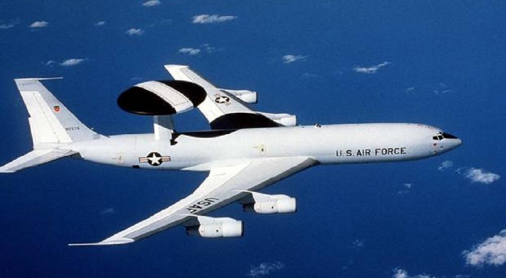 Plus de 30 avions étrangers engagés dans des renseignements aux frontières russes